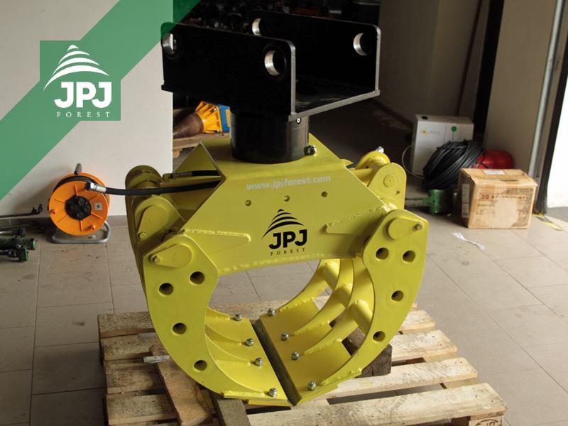 Drapák na kameny JPJ 0,26 a rotáror Baltrotors CPR5 s upínací deskou